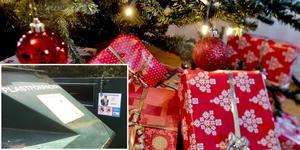Julpappret ska sorteras som pappersförpackning och snörerna ska till brännbart. Om snörena slängs i containern för plast trasslar de sig i maskinerna som återvinner. Foto julklappar: Jonas Ekströmer / SCANPIX