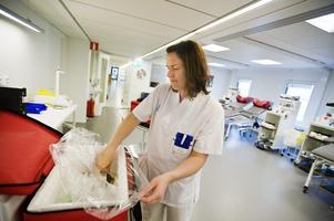 Traditioner styr yrkesval. Men kvinnor i vårdyrken kommer sällan in bland de mer högavlönade.