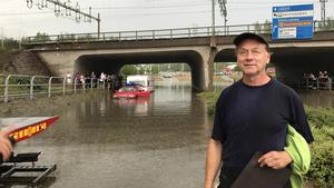 Michael Lindgren från Stockholm hamnade mitt i översvämningskaoset efter skyfallet i Fagersta.