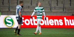 Kanvänsterfotade Emil Skogh vara ett alternativ på vänsterbacken? Just nu finns bara en renodlad vänsterback i truppen, Dennis Persson.