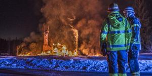 Polisen vet inte säkert vem som dog i villabranden i Sjöhagen i Fagersta, i mars förra året. Foto: Niklas Hagman