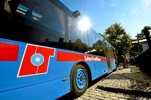 Det är många bussturer som genomförs med ett väldigt lågt antal passagerare.