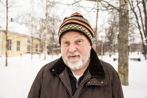 Bo Lundmark får stipendium för sin psalmdiktning.