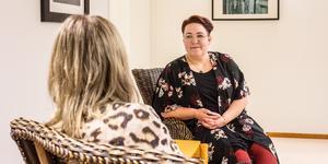 Sedan juli i år är Elin Axman kvinnofridssamordnare i Fagersta, Norberg och Skinnskatteberg. Hennes jobb är att öka kunskapen om våld i nära relation hos kommunernas tjänstemän och hela tiden lyfta frågan.