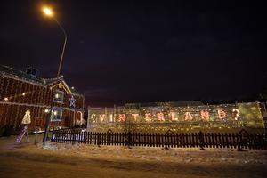 Familjen bjuder in besökare att vandra i deras eget Vinterland.