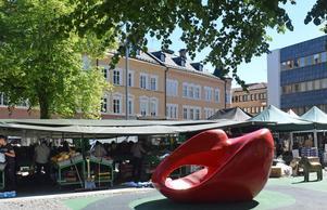 Torghandel på Sveatorget i Borlänge centrum.