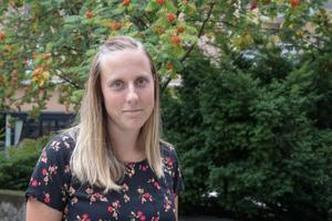 Det kan vara svårt att bryta ensamheten men det går att ta små steg i rätt riktning, menar Sara Edlund, psykolog och filosofie doktor vid Örebro universitet.
