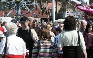 Under exempelvis marknadshelgerna i Rättvik besöks kommunen av många människor, men vardagen är en annan. Frånsett Falun, Borlänge och Ludvika redovisar alla dalakommuner färre invånare år 2012. FOTO: HANS BLOOM / ARKIV