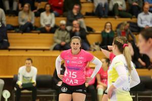 Örebro Volleys landslagsstjärna Diana Lundvall var nöjd efter söndagens match – trots att den slutade med 20:e raka förlusten mot Engelholm. Arkivfoto