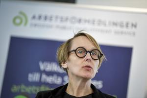 Arbetsförmedlingens analyschef Annika Sundén presenterar nya eländessiffror. Arkivbild.