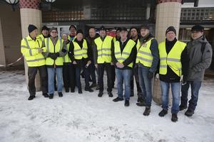 Efter ett dödsfall i simhallen i Ludvika drog kommunen av säkerhetsskäl ned på öppethållandet i Grängesbadet från tre dagar i veckan till en dag i veckan. Men det gillade inte grängesbergare som inspirerade av demonstranter i Frankrike utrustade sig med gula västar och protesterade vid kommunfullmäktiges möte den 4 mars. Snart var ordningen återställd vad gällde öppettiderna i badhuset.