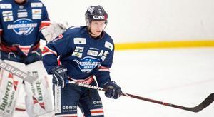 Viktor Fränckel var en av målskyttarna när Örnsköldsvik Hockey äntligen tog en trepoängare igen i HockeyEttan Norra.