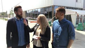 Uffe Bodin, Jennifer Engström och Andreas Hanson utanför träningshallen i Köpenhamn.
