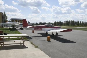 I Trysil finns redan ett mindre flygfält, men där fanns inte utrymme att bygga ut det på motsvarande sätt som i Rörbäcksnäs.