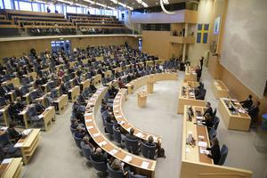 Sverigedemokraterna menar att den politiska uppgörelsen mellan  S, MP, C och L redan nu ger konsekvenser för glesbygden.