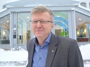 Uppgörelsen med Hälsingeläkarna innehåller ingenting om mottagning i Bergsjö utan det är företagets val att driva filialer till hälsocentralen i Harmånger förklarar Göran Angergård, biträdande regiondirektör.