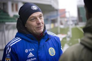 Tony Gustavssons sejour i GIF Sundsvall blev kort. Efter degraderingen till Superettan väljer tränaren att lämna klubben.