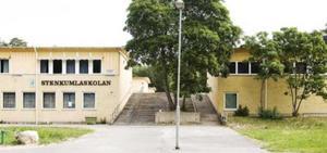 Bör Stenkumlaskolan åter öppnas?         Foto: Privat