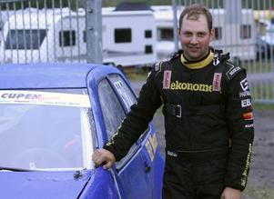 Henrik Hamberg, Hede, kör både folkrace och rallycross.