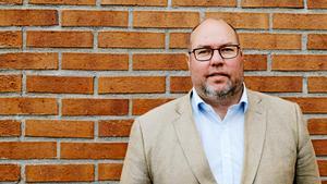 Bengt Andersson är samhällsbyggnadschef på Nykvarns kommun och han ser hellre en vidaresatsning på busstrafiken.