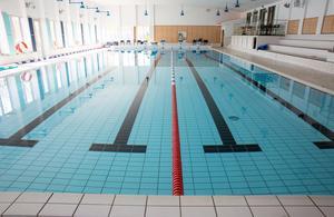 Simhallen blir stängd under sommaren men gymmet blir öppet som vanligt i Leksandshallen.