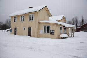 Totalpriset för kommunen för att slippa se nazisterna som ägare av IOGT-huset, kan bli runt 350 000 kronor.