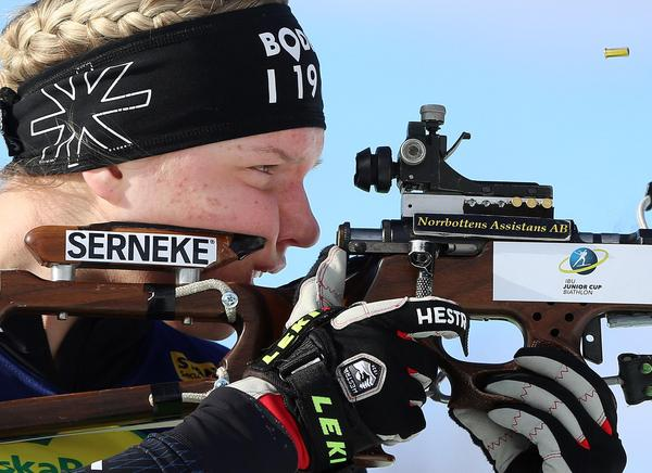 Amanda Lundström siktar.
