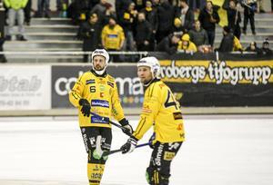 Johan Jansson Hydling  tillsammans med försvarskollegan Ilari Moisala i Broberg.