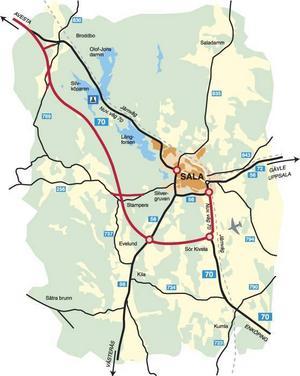 Nya förbifarten med två rondeller ligger längre söderut än den tidigare och ger förutom tids- och säkerhetsvinster för trafiken på väg 56 och 70 även miljövinster i Sala.