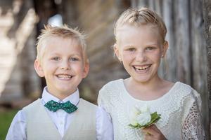 Henry och Stella blev döpta under måndagen. Deras mindre bror Tore, som är två månader gammal, blev också döpt.