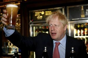 Boris Johnson ser ut att bli ny premiärminister i Storbritannien, men hans taktik att hota sig till ett nytt förmånligt utträdesavtal är dömd att misslyckas, skriver Peter Franke.