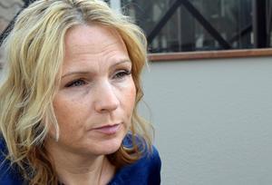 Monica Lundin (L) är bekymrad över att så många av Borlänges niondeklassare saknar gymnasiebehörighet.