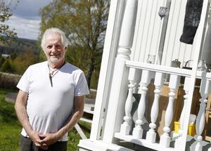 Ingvar Blix är läkare och nu delvis pensionerad. Han tror att mycket läkartid och minskat lidande för patienterna skulle vinnas på att starta ett försäkringsmedicinskt centrum som tar han om patienter som sjukskrivits mer än 90 dagar.