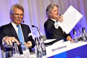 Björn Wahlroos, Nordeas styrelseordförande, och Casper von Koskull, Nordeas vd, under bankens årstämma på Grand hotel i Stockholm. Foto: Claudio Bresciani / TT