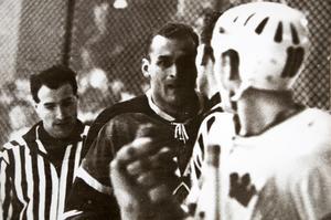 Ron Farnfield var namnet på den bjässe som Kent Lindgren slogs med.