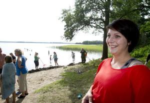 Lina Solarinne är initiativtagare till städdagen och gladdes över engagemanget som ledde till att det dök upp mer än dubbelt så många än som anmält sig till eventet