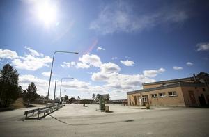 Marken ovanför Jägarvallen ger utrymme för att bygga tre 8-våningars punkthus och tio så kallad lamellhus. Totalt ryms 400 lägenheter på området, och i dagarna har en ny gata börjat byggas ut mot Litsvägen.