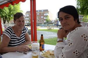 Systrar. Ulla Sjökvist och Pia Lundquist var på stadsfesten för första gången.