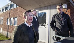 M:s Ulf Kristersson, William Elofsson och Patrik Stenvard besökte Gävle sjukhus ambulans. Under onsdagen blev uppgörelsen mellan M , KD och V klar om knappt 2,5 miljarder till vård, skola och omsorg. För Gävles del skulle det enligt Moderaterna innebära 52 miljoner kronor och region Gävleborg 63 miljoner kronor utöver regeringens tilläggsbudget.