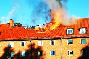 Det var för tio år sedan denna fastighet började att brinna på Tuvan i Mora.  Foto: Hans Olander/Arkiv