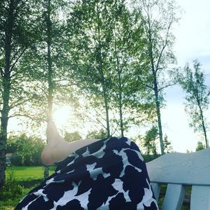 Stina Nordins favoritbild är tagen hemma i trädgården i Järvsö.