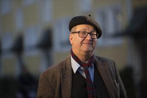 Den S-märkte statsvetaren Stig-Björn Ljunggren har skrivit förordet till den senaste svenska utgåvan av