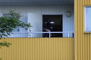 Flera polispatruller kallades till området runt flerfamiljshusen i Kramfors.