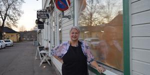 Även om det varit slitigt så tror Susanne Backlund på framtiden för Bollie café som nu ska säljas.
