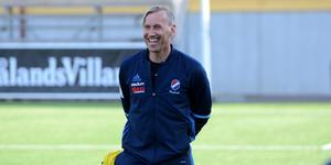 Fredrik Bengtsson tränar Kvarnsveden även kommande säsong.