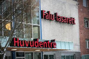 En kvinna från Falu kommun har åtalats misstänkt för misshandel. Hon ska ha slagit ett barn i ansiktet på Falu lasarett.