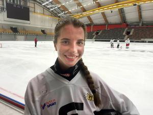 Både Olga Bogdanova (bilden) och Elena Goremykina spelade i Sandviken förra säsongen. Nu är det istället i AIK som de producerar.