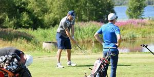 Peter Forsberg och hans hockeyagentur 4Sports var de som anordnade golftävlingen.