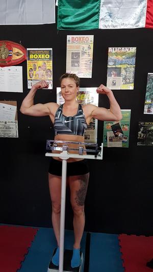Elin Cederroos tävlar i 75-kilosklassen. Drömmen är att få gå en match mot den dubbla OS-medaljören Claressa Shields.