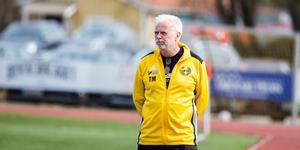 Tränare Tony Mattsson var minst sagt besviken på sitt lags uppträdante i förlustmatchen mot Slätta SK.